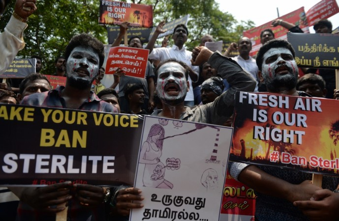9 die in police firing in southern India