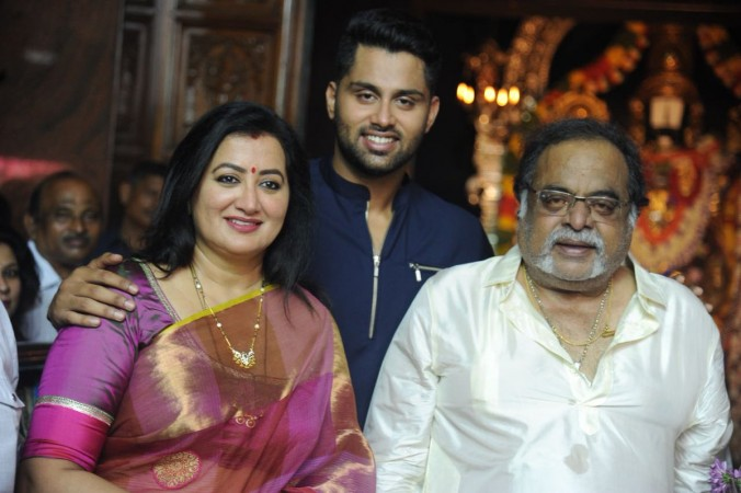 Abhishek Gowda with his parents - Ambarish and Sumalatha