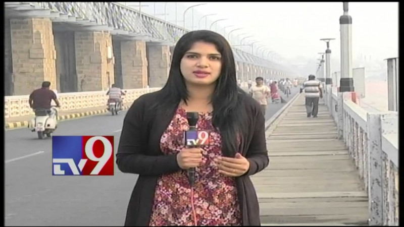 TV9 Anchor Deepti Nallamothu