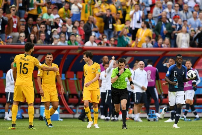Griezmann hits historic VAR penalty as France squeeze past Australia