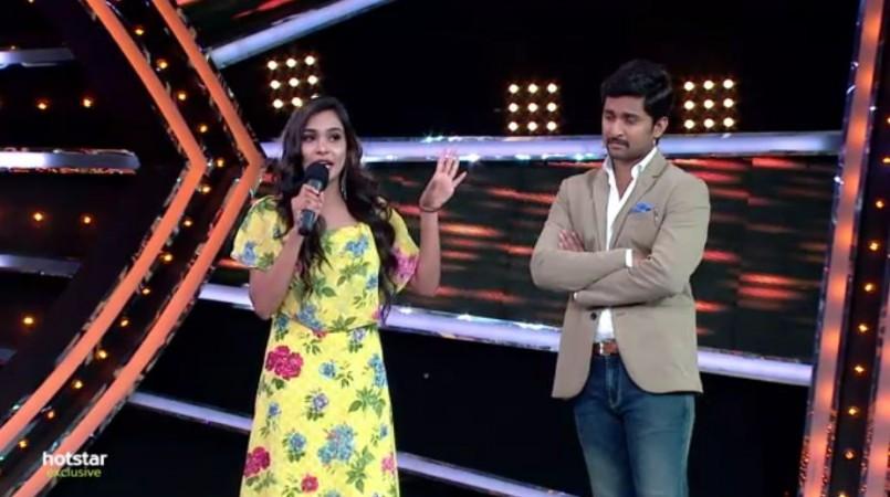Sanjana Anne with Nani on Bigg Boss Telugu 2 stage