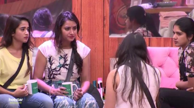 Geetha Madhuri pacifying Bhanu Sree