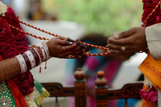 Indian wedding ends in brawl after bride refuses to marry groom spooked by lightning - IBTimes India