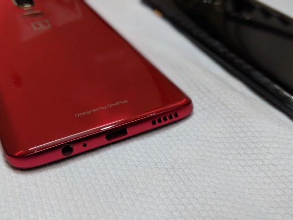 OnePlus 6 Red hands-on photos