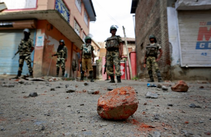 Stone pelting in Srinagar, Kashmir