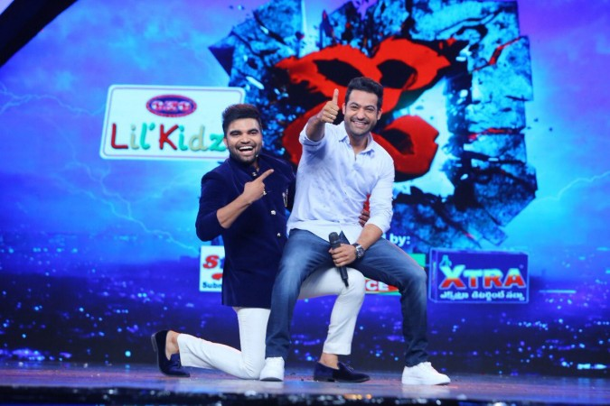 Jr NTR with Pradeep Machiraju on Dhee 10 grand finale