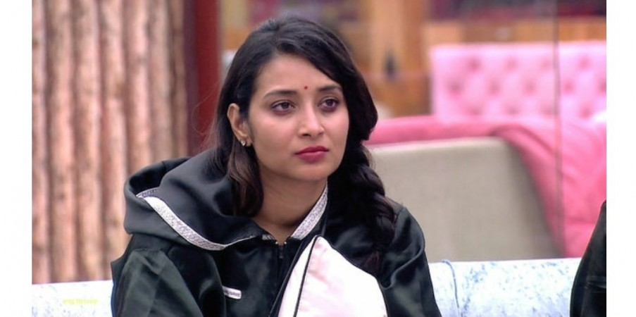 Bhanu Sree and Tejaswi blame Kaushal, claiming he touched them inappropriately.