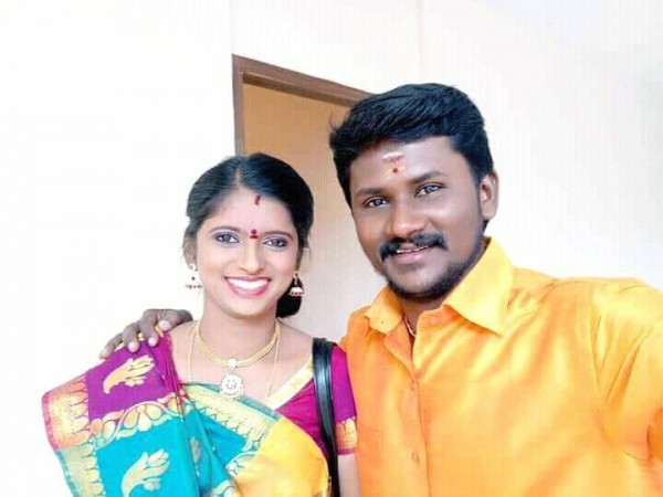 Super Singer 6 winner Senthil Kumar with his wife Rajalakshmi