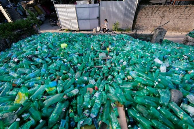 Norway's method of recycling plastic bottles benefits