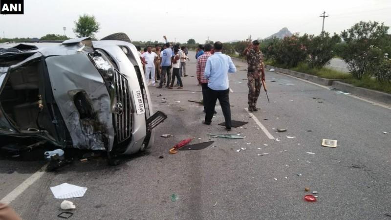 Nandamuri Harikrishna dies in a car accident