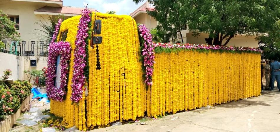 Vehicle ready for Harikrishna's last journey