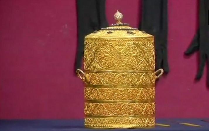 gold tiffin box nizam museum