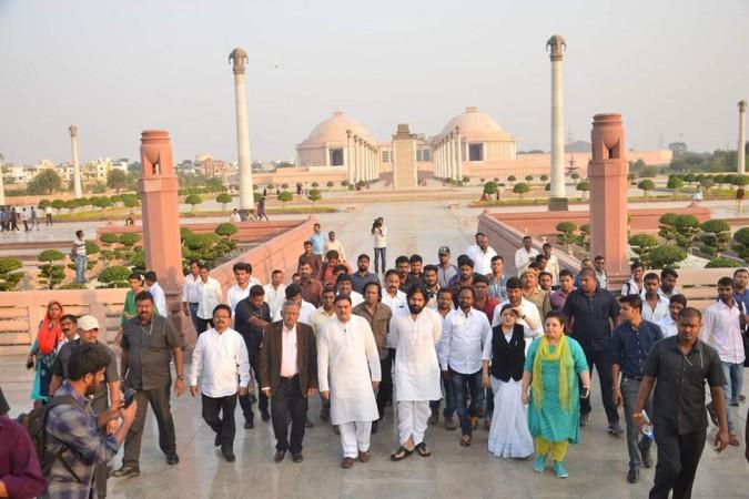 Pawan Kalyan with former speaker Nadendla Manohar and Students from Osmania University in Lucknow, Uttar Pradesh