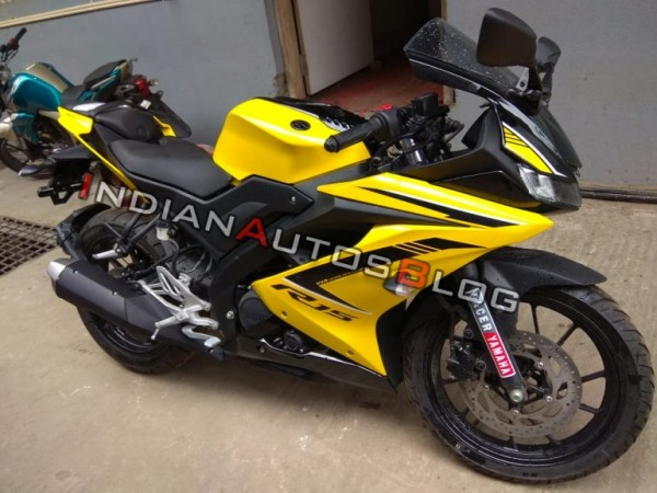 2018 Yamaha YZF-R15 Version 3.0 in new Racing Yellow