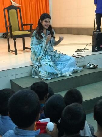 Jacqueline Fernandez celebrates Christmas with underprivileged children