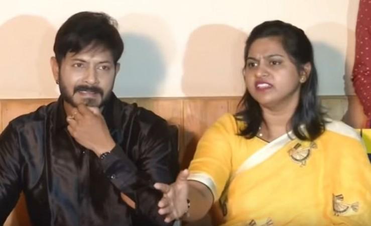 Kaushal Manda with his wife Neelima in the press meet