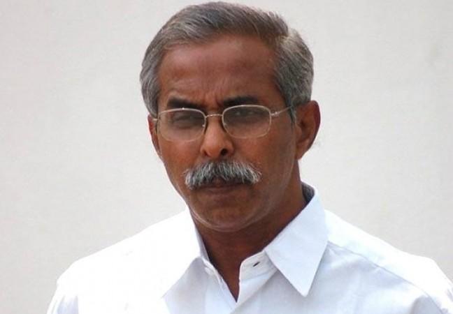 YSR Congress Leader YS Vivekananda Reddy Found Dead Under
