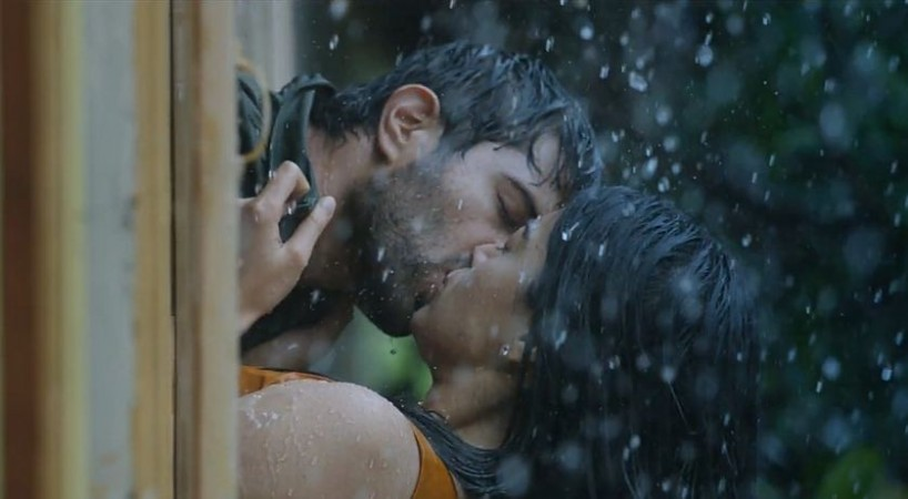 Vijay Devarakonda and Rashmika Mandanna's kissing scene in Dear Comrade