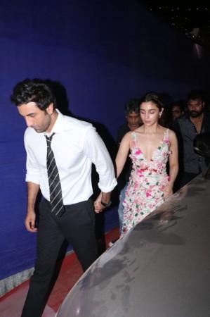 Ranbir Kapoor and Alia Bhatt holding hands