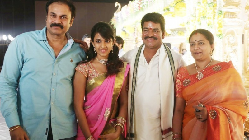 Sivaji Raja with Nagababu family