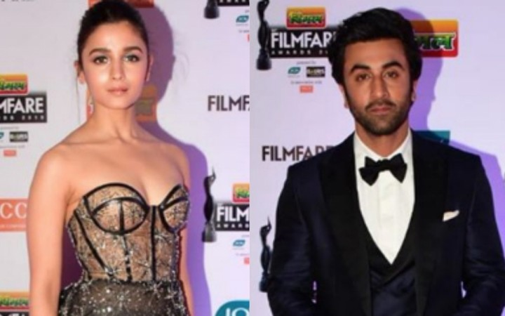 Alia Bhatt and Ranbir Kapoor at Filmfare Awards 2019