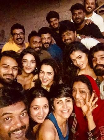 Dhivyadharshini with Romantic Team