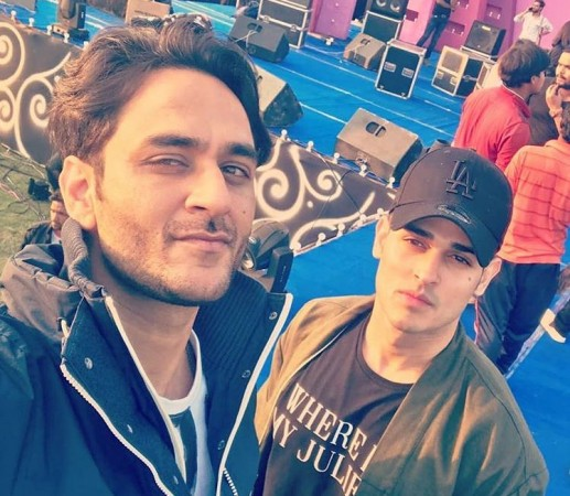 Priyank Sharma and Vikas Gupta fight
