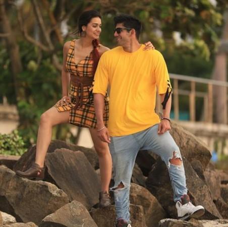 Divya Agarwal and Varun Sood in Ragini MMS series