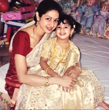 Sridevi with a young Janhvi Kapoor