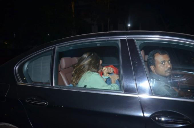 Sara Ali Khan and Kartik Aaryan get cozy inside car.