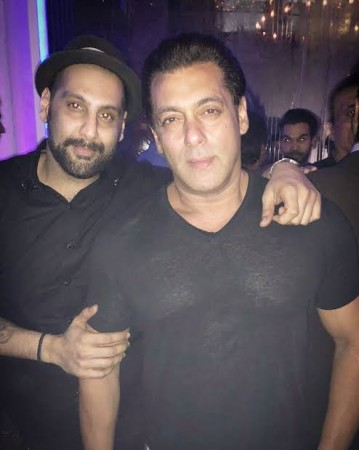 Suved Lohia with Salman Khan