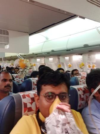 SpiceJet plane mumbai airport