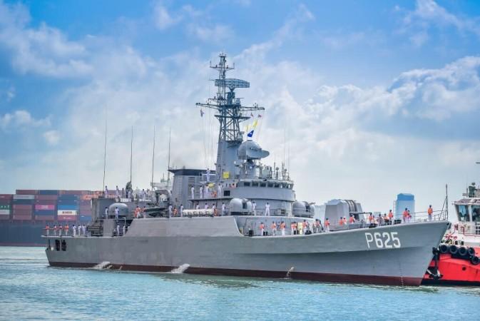 Chinese warship gift to Sri Lanka