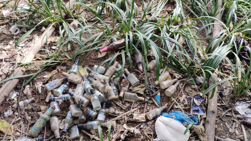 liquor bottles inside Cubbon Park