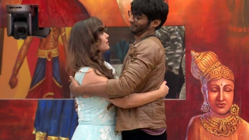 Sherin and Tharshan in Bigg Boss Tamil 3
