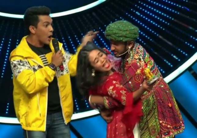 Indian Idol 11 contestant kisses judge Neha Kakkar