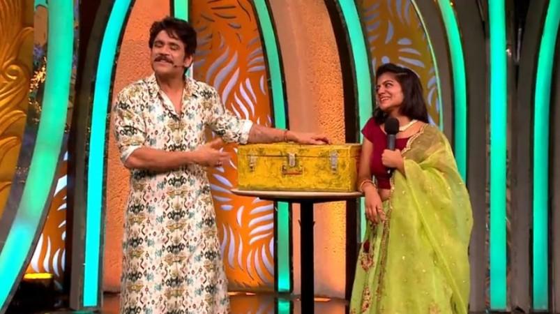 Siva Jyothi with Akkineni Nagarjuna on Bigg Boss Telugu 3