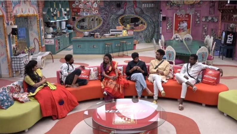 Anchor Suma with Bigg Boss Telugu 3 finalist