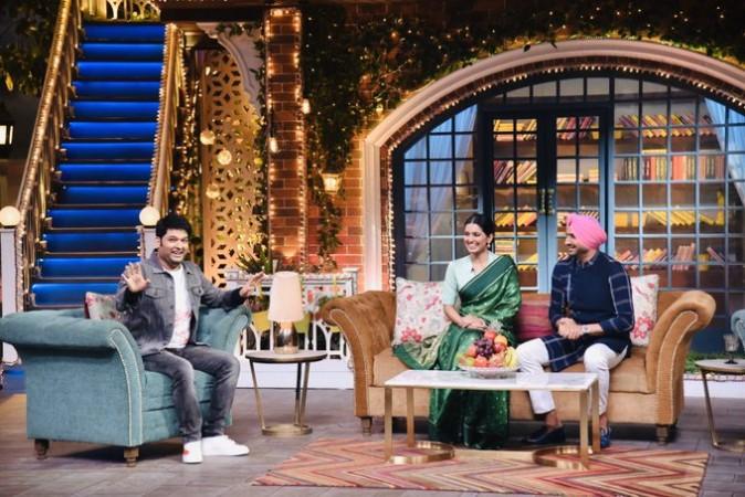 Harbhajan Singh talks about his Sri Lankan girlfriend on Kapil Sharma Show in presence of wife.