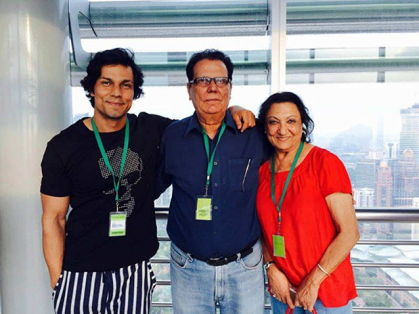 Randeep Hooda with parents