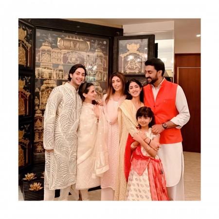 Shweta Bachchan, son Agastya, daughter Navya Naveli, brother Abhishek Bachchan and his daughter Aaradhya Bachchan