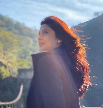 Jennifer Winget shoots for Beyhadh 2 in Rishikesh