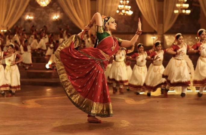 Kangana doing Bharat Natyam