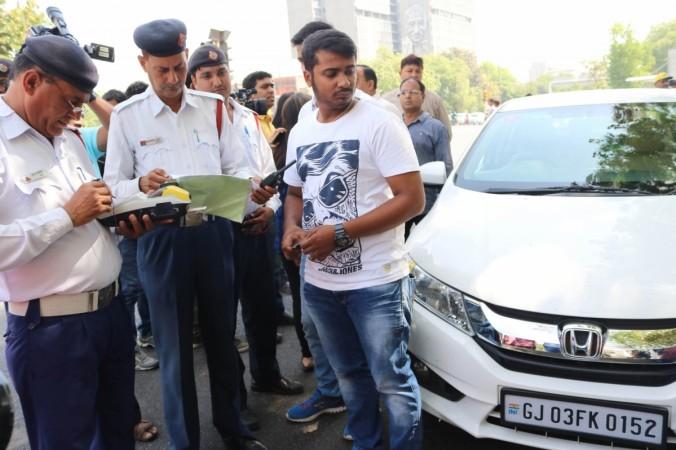 delhi traffic cop