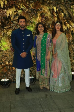 Alia Bhatt, Ranbir Kapoor and Neetu Singh