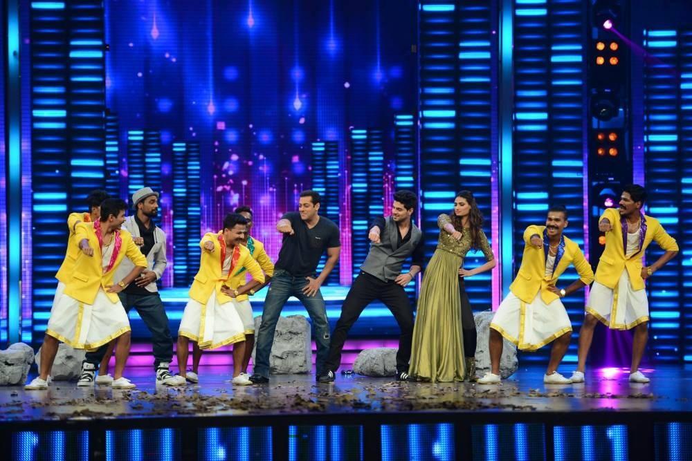 Salman Khan,Dance Plus,hero movie promotion,sooraj pancholi,Athiya Shetty,Sooraj and Athiya Shetty,salman,Actor Salman Khan,Dance +,bollywood movie Hero,Hero movie promotion