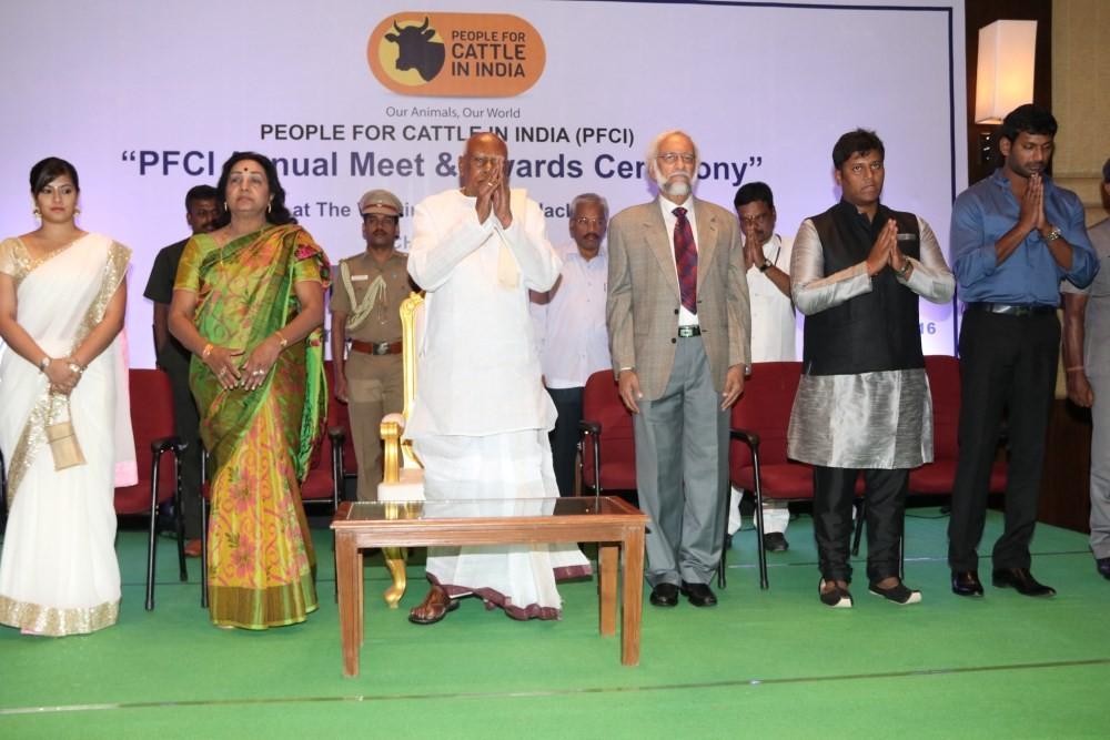 PFCI Annual Meet & Awards Ceremony,Vishal and Varalakshmi Sarathkumar,Vishal and Varalakshmi,Vishal,Varalakshmi Sarathkumar,Vishal Krishna,Nisha Singh