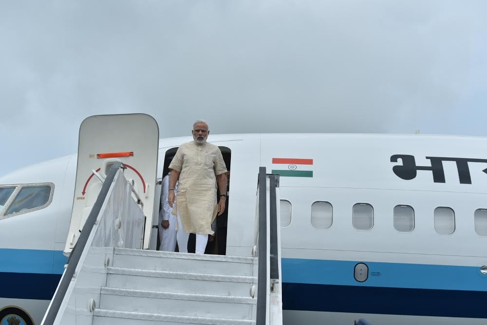 Prime Minister Narendra Modi,Narendra Modi,PM Narendra Modi,Narendra Modi reaches Gujarat,Narendra Modi in Gujarat,Narendra Modi launches irrigation scheme,irrigation scheme,Narendra Modi launches irrigation scheme in Gujarat