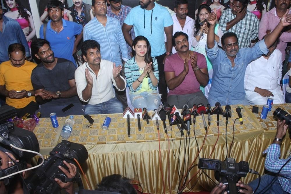 Sunil,Richa Panai,Eedu Gold Ehe,Eedu Gold Ehe Song,Eedu Gold Ehe Song launch,Sunil and Richa Panai,Veeru Potla,Jagadamba Theater