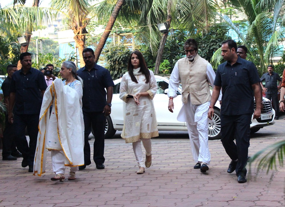 Shilpa Shetty,Prayer meet for Shilpa Shetty's father,Amitabh Bachchan,Aishwarya Rai Bachchan,Preity Zinta,Vidya Balan,Shilpa Shetty Prayer meet,Celebs at Shilpa Shetty Prayer meet,Shilpa Shetty Prayer meet pics,Shilpa Shetty Prayer meet images,Shilpa